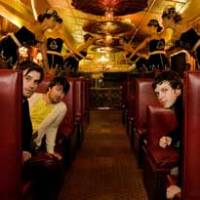 D.I.Y. : le crédo de Friendly Fires…