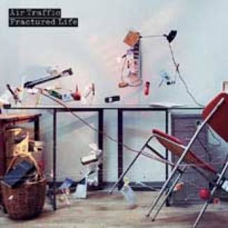 Air Traffic : un premier album !
