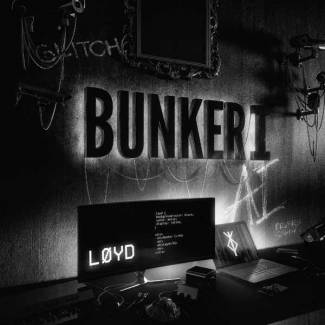 Loyd sort de son Bunker !