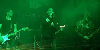 Your Life On Hold - Gothic rock op z'n best!